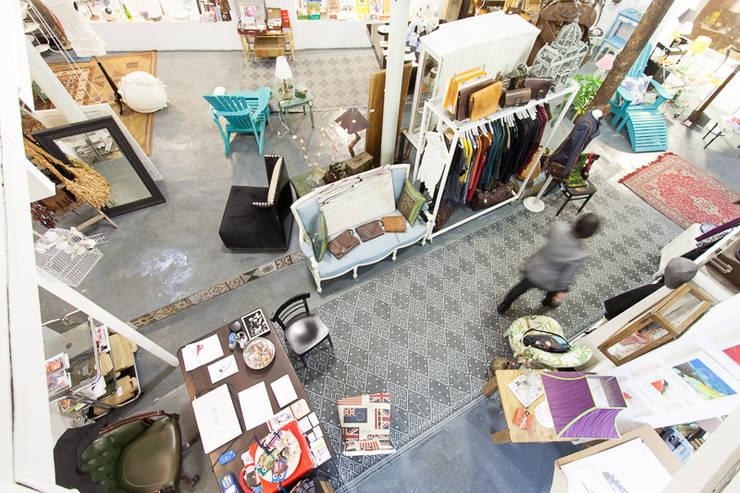 Lojas e imóveis comerciais  por Wabi Sabi Shop Gallery