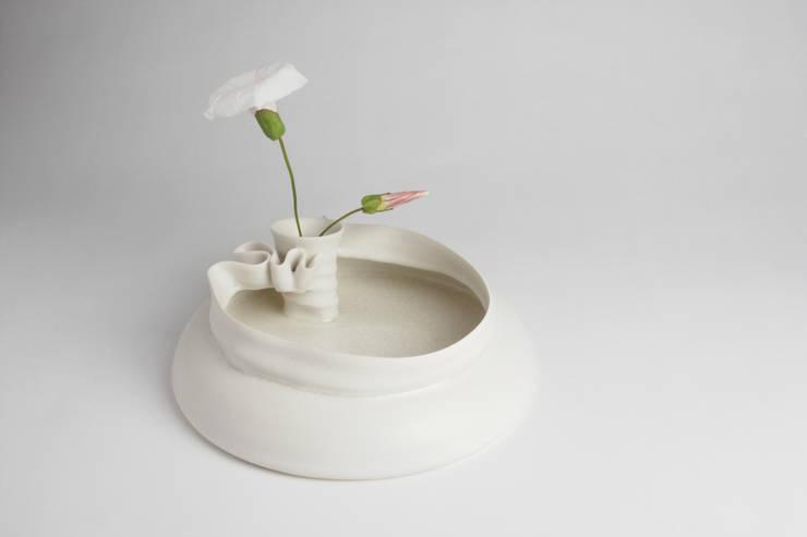 Mona Vase:  Artwork by Jo Davies Ceramics