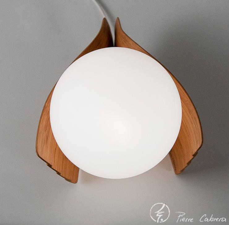 Lampe Amélie:  de style  par PIERRE CABRERA