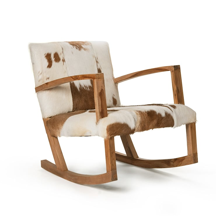 Natural Hide Rocking Chair:  Living room by puji
