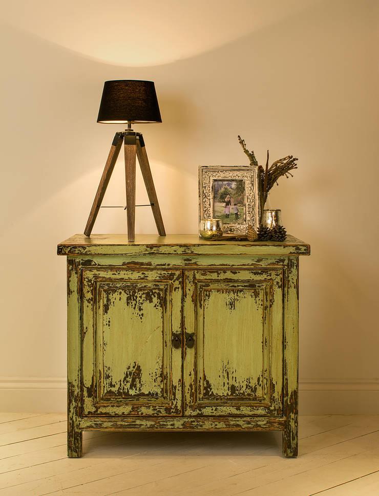 Tukang Vintage Sideboard - Green:  Living room by puji