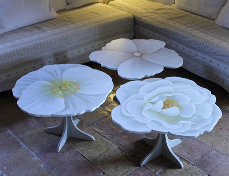 tables basses fleurs: Art de style  par Rondeur des Jours