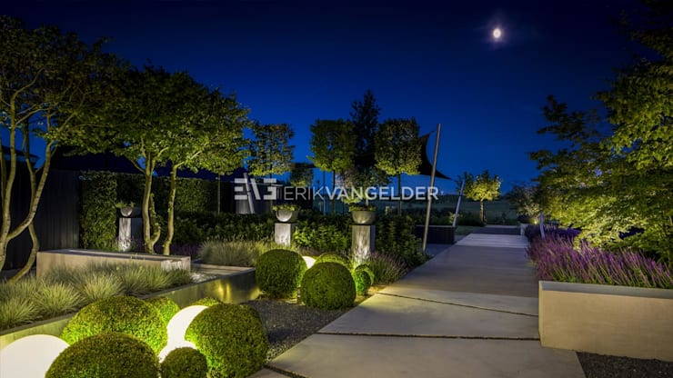 Jardin de style  par ERIK VAN GELDER | Devoted to Garden Design