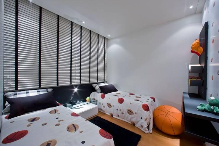 Casa em condomínio: Quarto infantil  por Cristiano Carvalho Arquitetura e Design,
