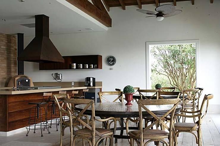 Itatiba. Condominio Quinta da Baroneza: Cozinha  por Prado Zogbi Tobar