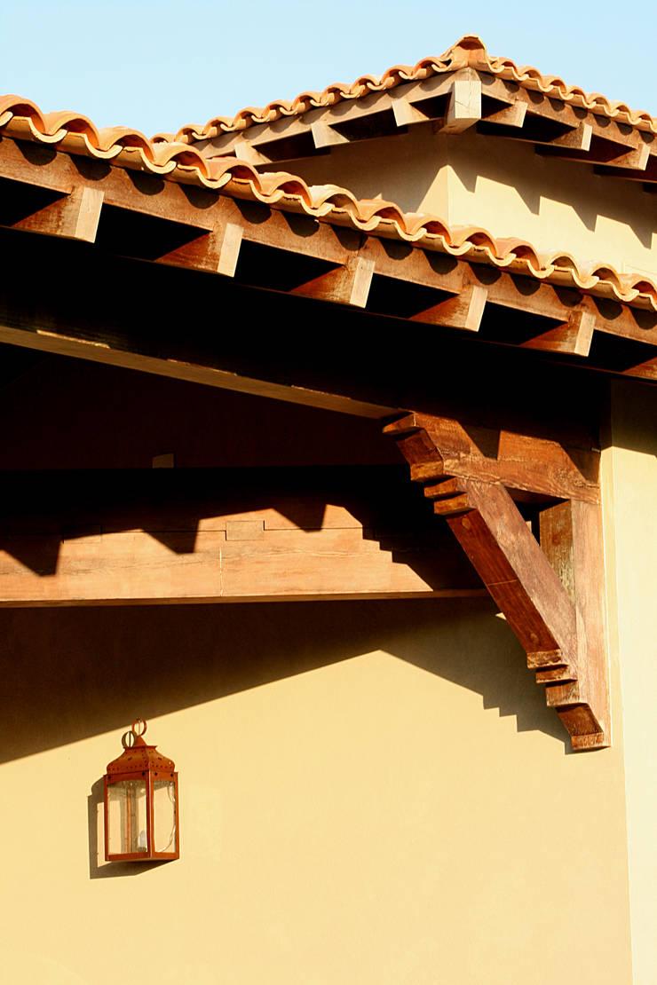 Itatiba. Condominio Quinta da Baroneza: Garagem e edícula  por Prado Zogbi Tobar