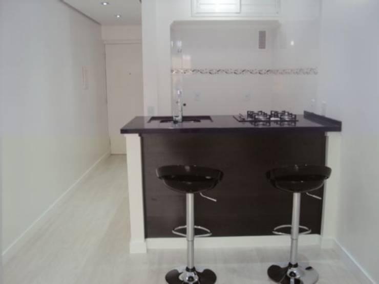Cozinha: Cozinhas  por Cristiano Carvalho Arquitetura e Design,Moderno