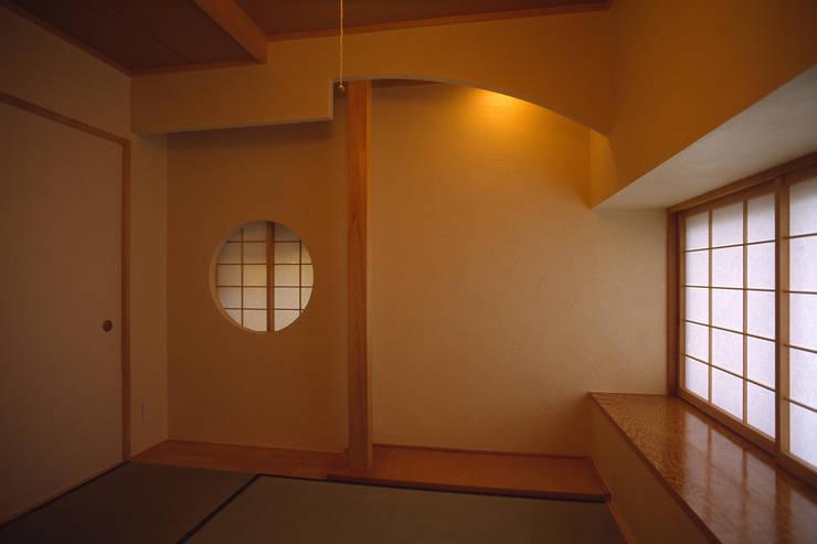 和室: 八島建築設計室が手掛けた和室です。,オリジナル