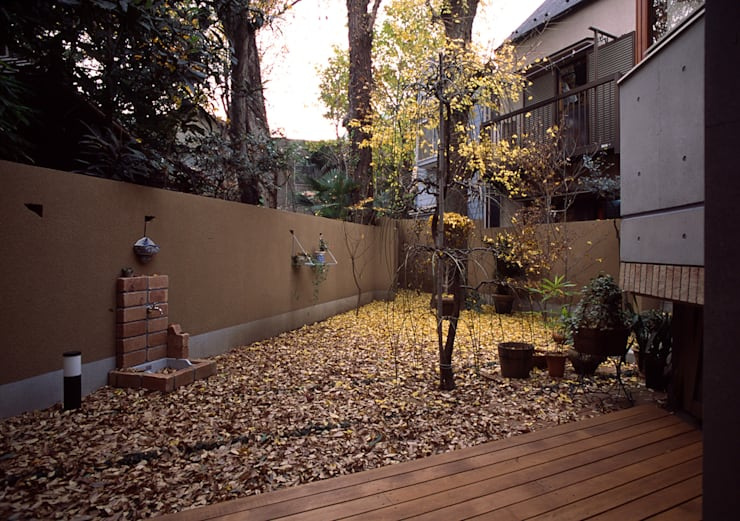 庭: 八島建築設計室が手掛けた庭です。