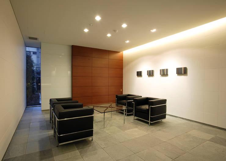 エントランスラウンジ オリジナルデザインの 多目的室 の 八島建築設計室 オリジナル