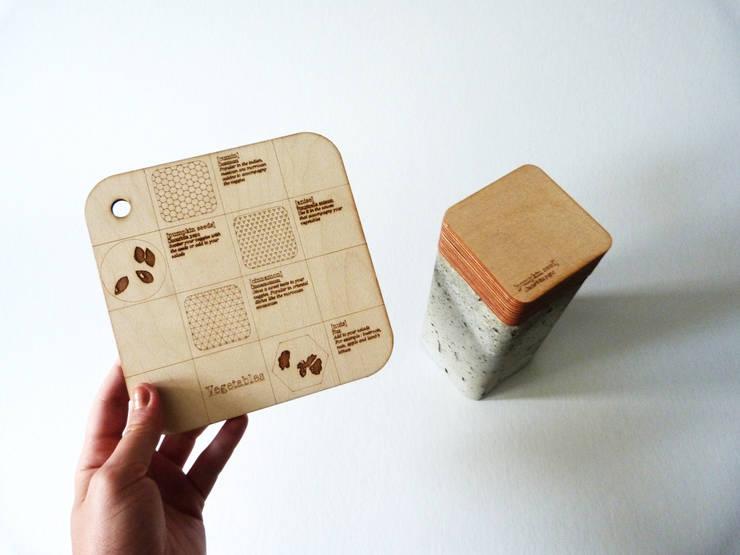 Prototype contenant + tablette:  de style  par LOUISE JACAMON