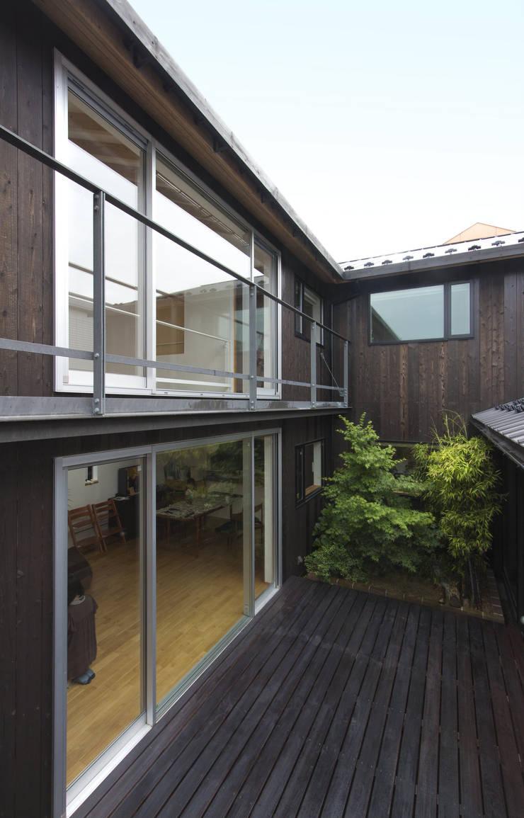中庭: THNK一級建築士事務所が手掛けた家です。
