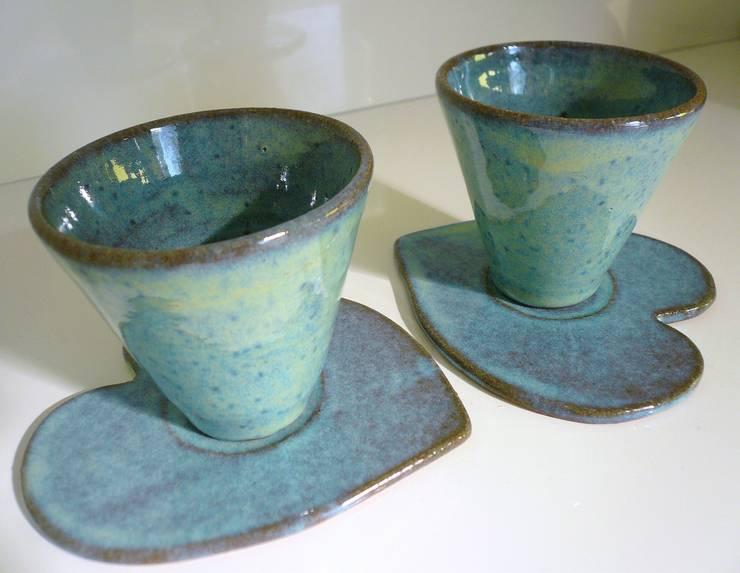 tasse à café avec soucoupe:  de style  par De la terre et de l'eau