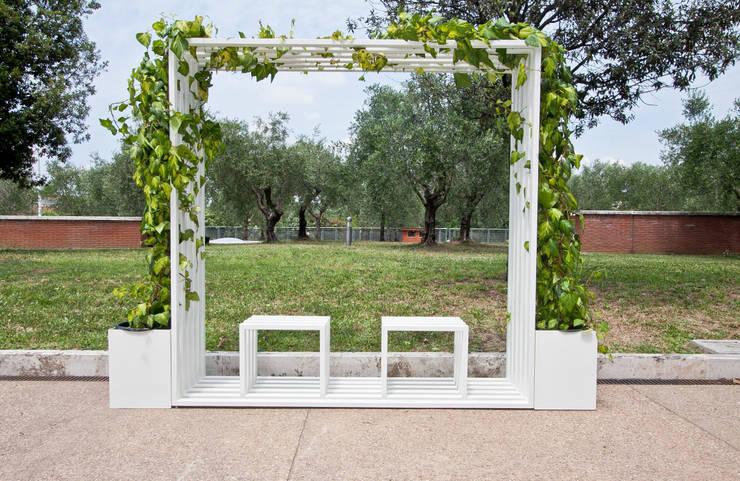 GreenGate: Giardino in stile  di Paolo Ciacci