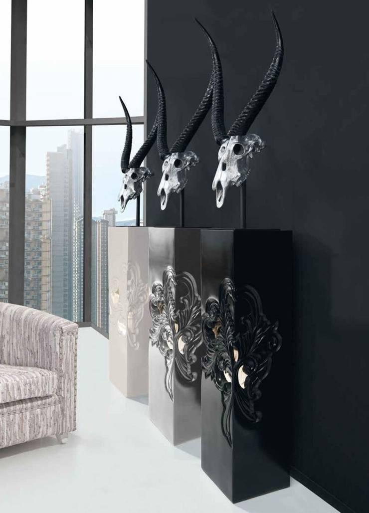 Figura Decoración Cráneo Serenity: Salones de estilo  de Paco Escrivá Muebles
