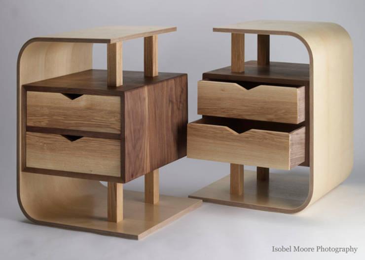 Spiegelbild :  Bedroom by Thomas Wilson Furniture
