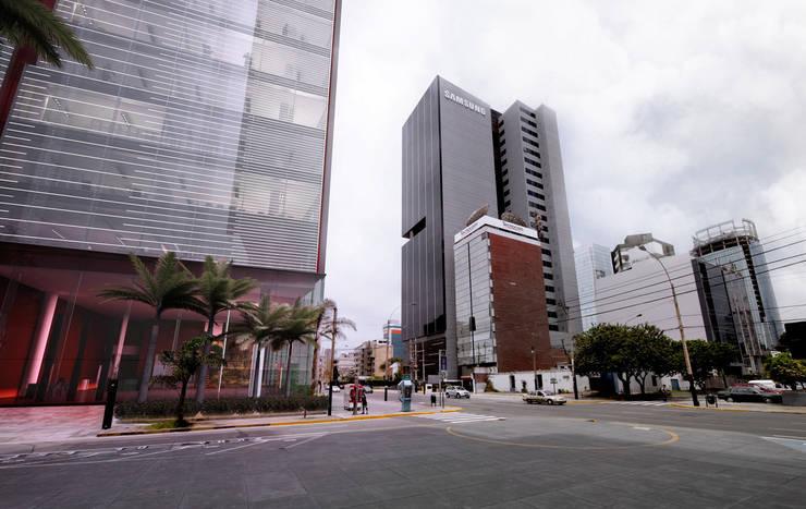 Office building in San Isidro District:  de estilo  de Ricardo Bofill Taller de Arquitectura