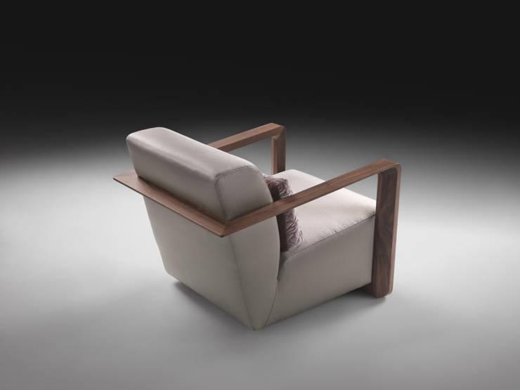 ISOTTA di Stefano Bettio designer Moderno