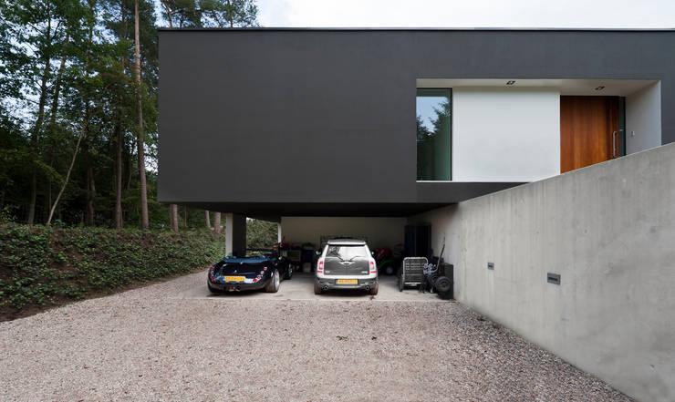 Garagens e arrecadações  por 123DV Moderne Villa's