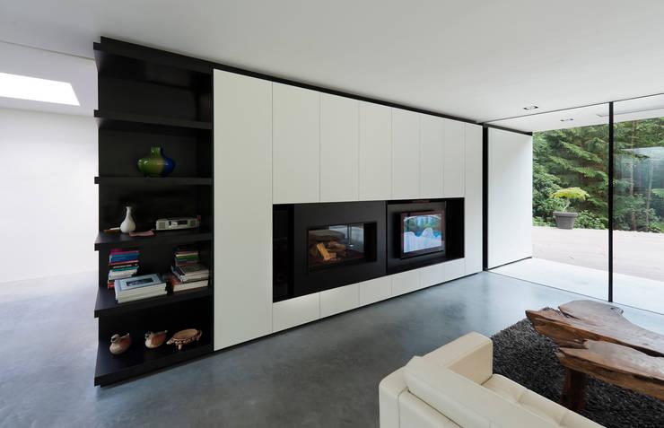 Villa Veth: moderne Woonkamer door 123DV Moderne Villa's