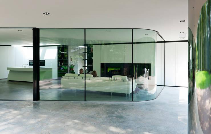 Окна в . Автор – 123DV Moderne Villa's, Модерн