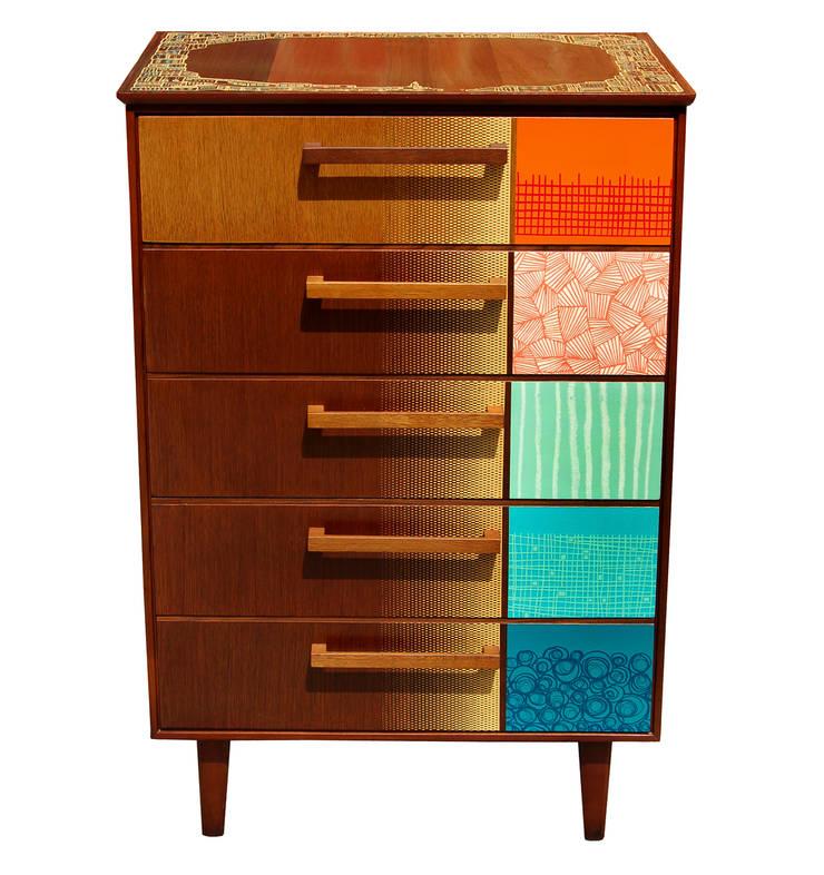 Zoe Murphy- Margate drawers:  Living room by Zoe Murphy