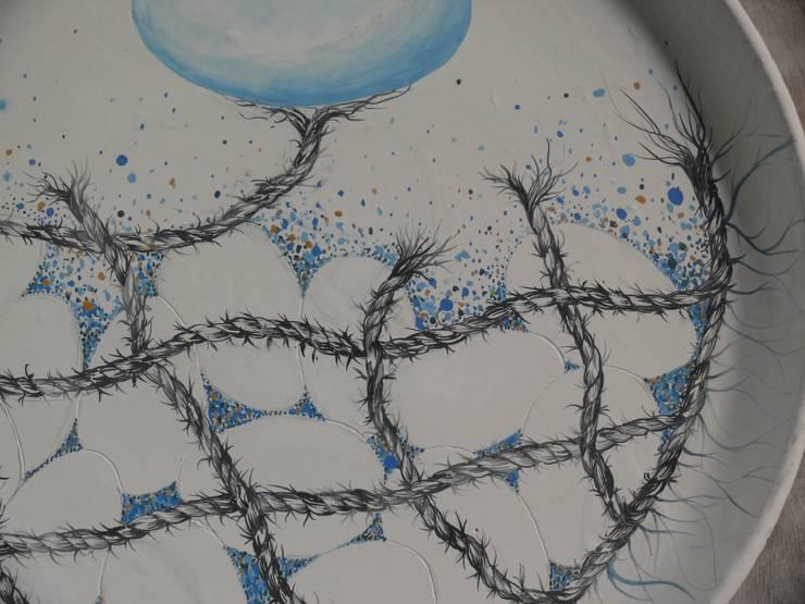 Ceramic platter:  Artwork by Lynn Bennett-Mackenzie