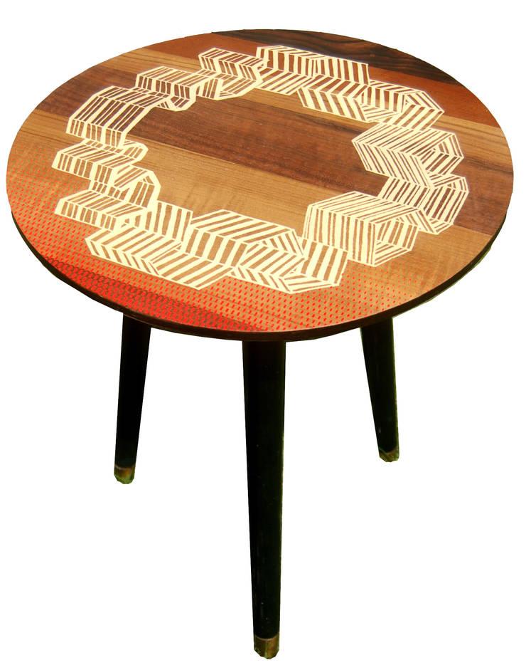 Windbreak side table:  Living room by Zoe Murphy