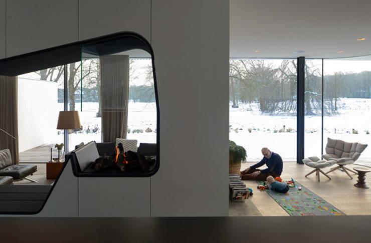 Salas de estar modernas por 123DV Moderne Villa's