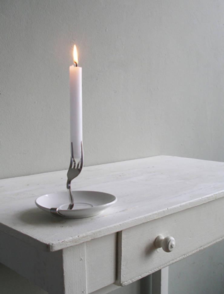 Candle Holder: moderne Woonkamer door LUCAS & LUCAS