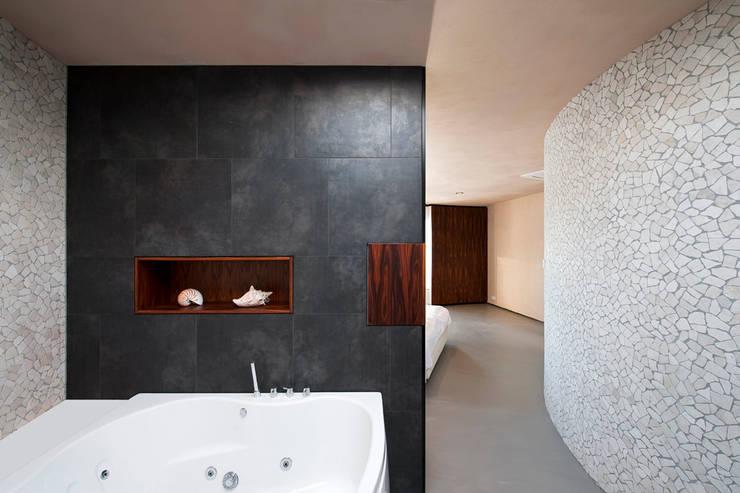 Baños de estilo  por 123DV Moderne Villa's, Moderno