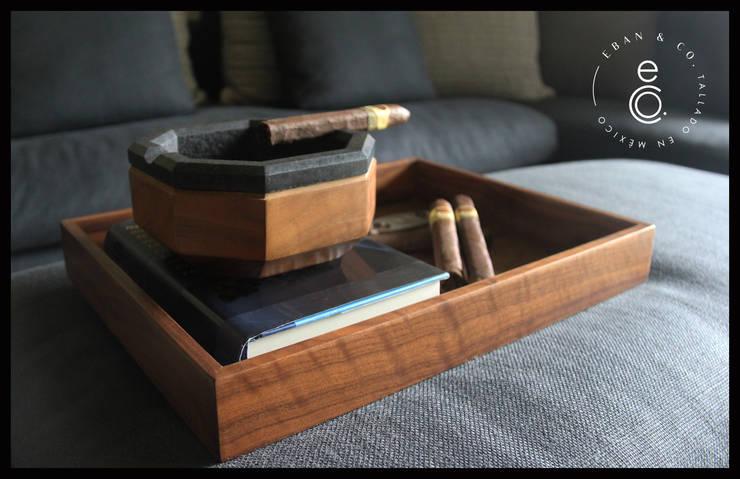 CENICERO LAVA / CHAROLA NOGAL: Hogar de estilo  por Eban & Co.