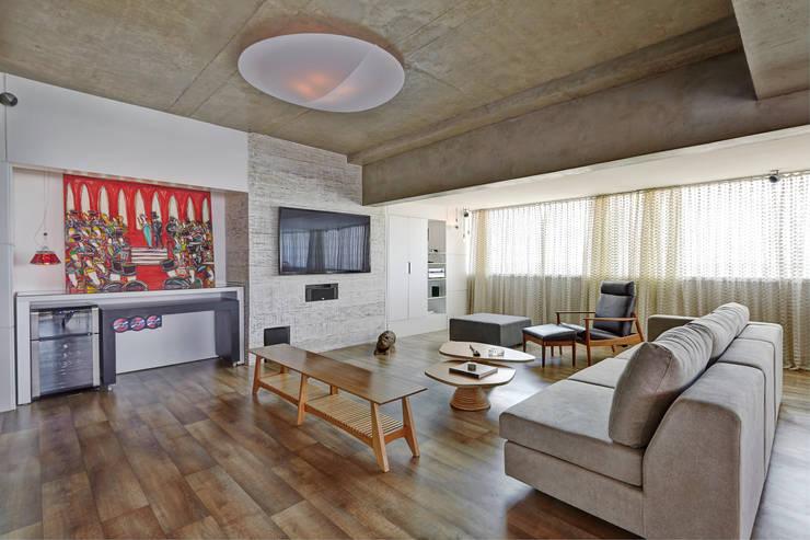 Apartamento Campo Belo - 374m2: Sala de estar  por Viviane Dinamarco Design de Interiores