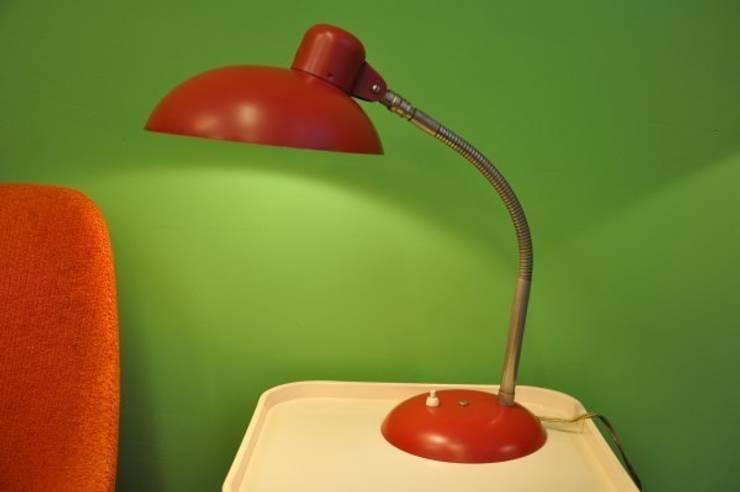 Lampe des années 60 de marque S1S (Allemagne).:  de style  par Boutique Polychrome