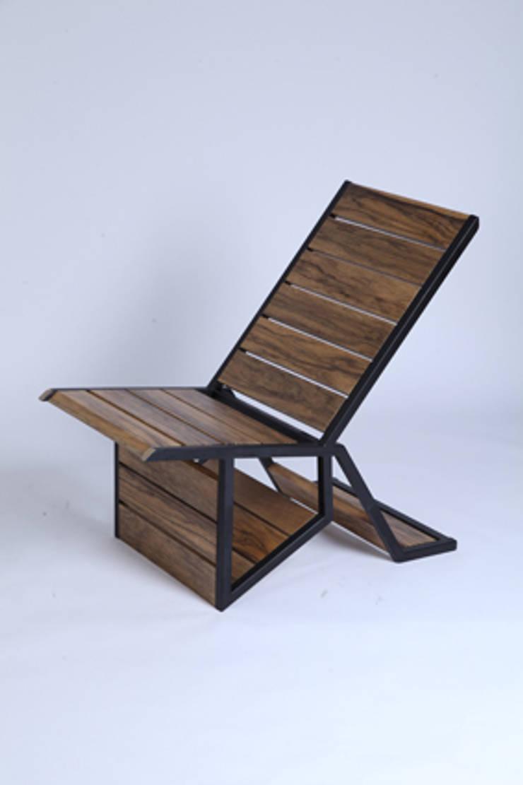Chaise MODU - fauteuil: Salon de style  par JOSE PASCAL