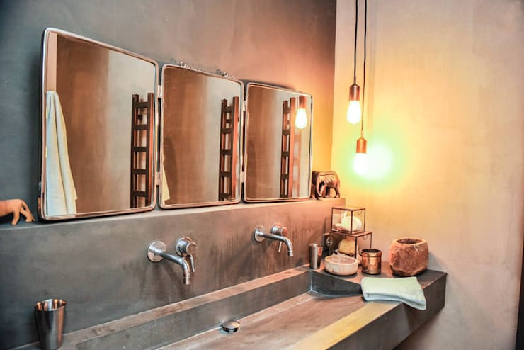 Salle de bain en béton ciré:  de style  par Insides