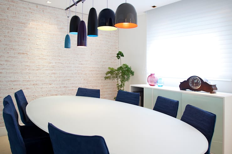 Higienópolis: Salas de jantar  por Tikkanen arquitetura