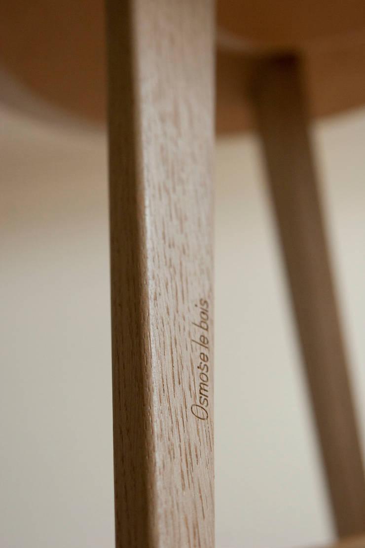 Les tables basses NUBES 45, 60 et 80 cm: Salon de style  par Osmose le bois