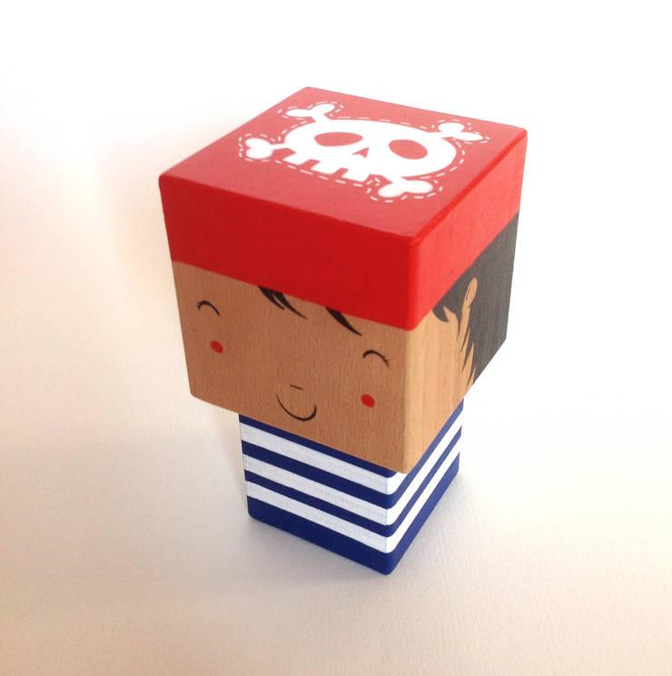 Poupée Pirate cubique: Chambre d'enfants de style  par Madammag