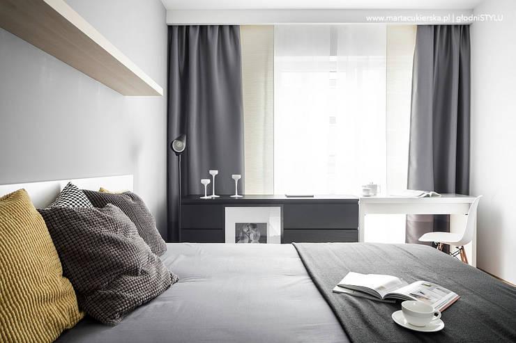 projekt i realizacja wnętrz KATOWICE: styl , w kategorii Sypialnia zaprojektowany przez głodni STYLU pracownia projektowa,