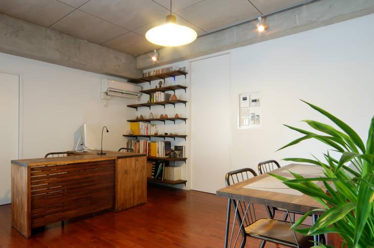 LDK: CRAFTONEが手掛けた書斎です。