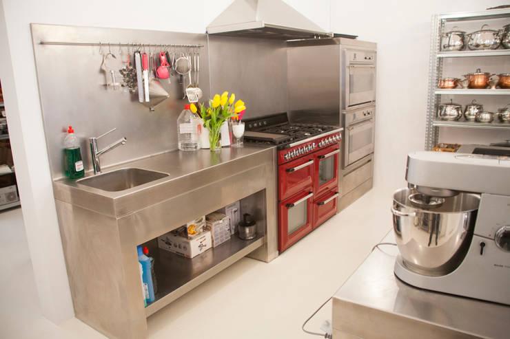 cocina a medida de Fdesignstudio: Cocinas de estilo  de F Design Studio
