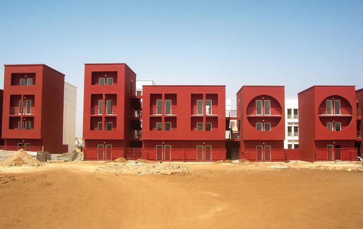 Residence de la Paix:  de estilo  de Ricardo Bofill Taller de Arquitectura