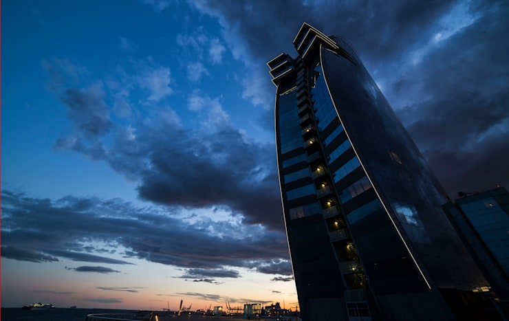 Hotel W Barcelona:  de estilo  de Ricardo Bofill Taller de Arquitectura