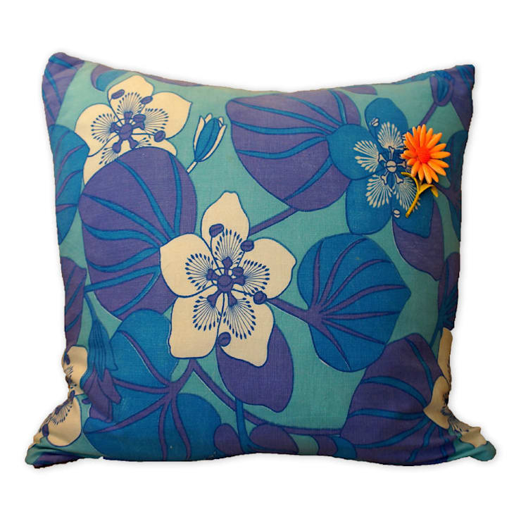 Original Vintage Cushions:  Living room by Slouch Designs