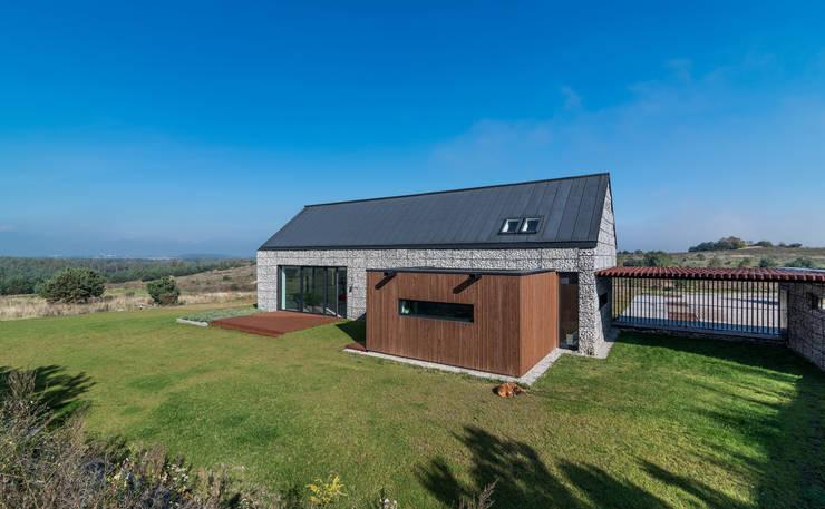 Casas  por Kropka Studio