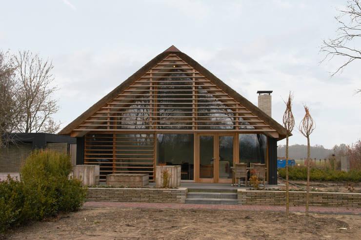modern Houses by Kwint architecten