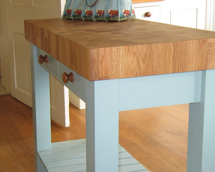 End Grain Oak Trolley with Oak Hand-turned Doorknobs.:  Kitchen by NAKED Kitchens