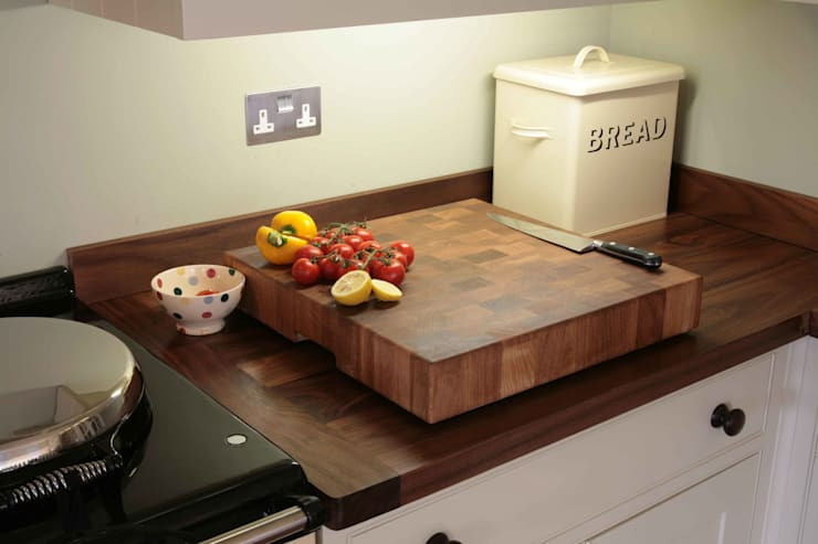 Solid Oak End Grain Chopping Board:  Kitchen by NAKED Kitchens