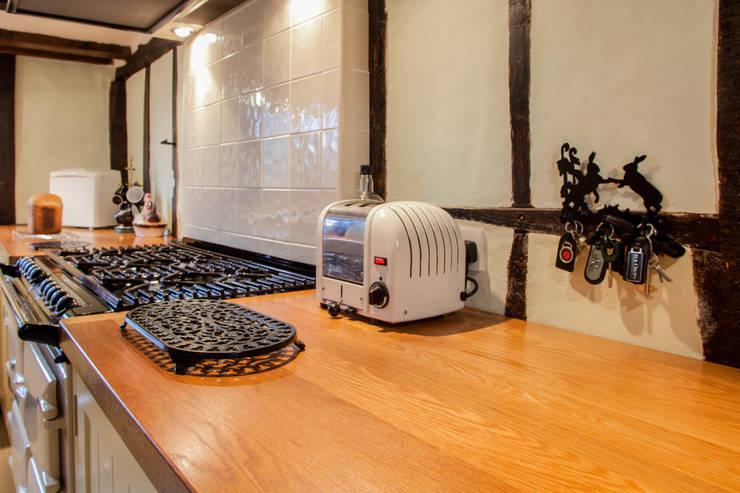 Appalachian White Oak Worktop:  Kitchen by NAKED Kitchens